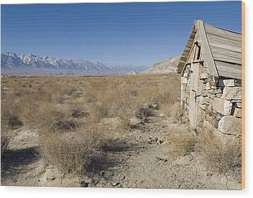 Old Rock Cabin At Dolomite Wood Print by Rich Reid