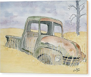 Old Rusty Truck Wood Print