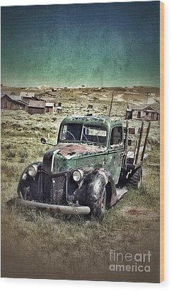 Old Rusty Truck Wood Print by Jill Battaglia