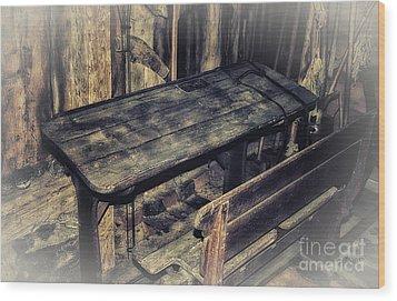 Old School Desk Wood Print by Jutta Maria Pusl