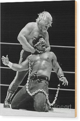 Old School Wrestling Chain Match Between Moondog Mayne And Don Muraco Wood Print