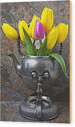 Old Tea Pot And Tulips Wood Print by Garry Gay