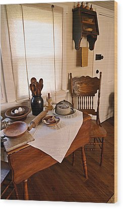 Old Time Kitchen Table Wood Print by Carmen Del Valle