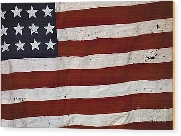 Old Usa Flag Wood Print by Carlos Caetano