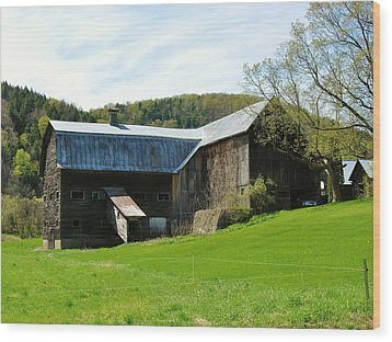 Wood Print featuring the photograph Old Vermont Barn by Sherman Perry