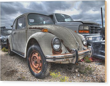 Old Vw Beetle Wood Print