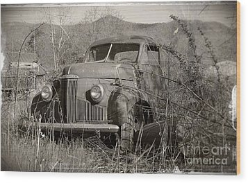 Wood Print featuring the photograph Ole Studebaker II by Laurinda Bowling