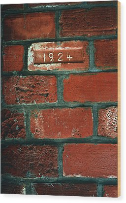 One Brick To Remember - 1924 Date Stone Wood Print by Steven Milner