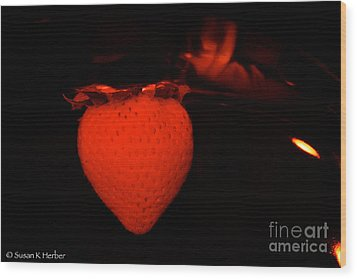 One Scary Berry Wood Print by Susan Herber