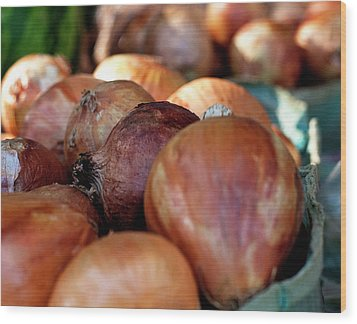 Onions At A Roadside Market Wood Print by Toni Hopper