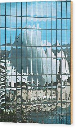 Opera House Reflection Wood Print by Bob and Nancy Kendrick