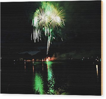 Osoyoos Lake Lights Up Wood Print by Don Mann