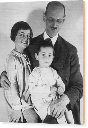 Otto Frank With His Daughters Margot Wood Print by Everett