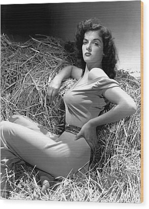 Outlaw, Jane Russell, Photo By George Wood Print by Everett