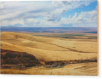 Overlooking Farm Blue Mountain Range Wood Print by Tracie Kaska