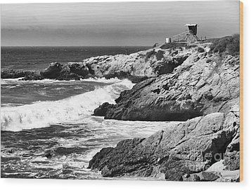 Pacific Lifeguard View In Bw Wood Print by John Rizzuto