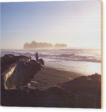 Pacific Ocean Sunsest Walk Wood Print by Christine Burdine