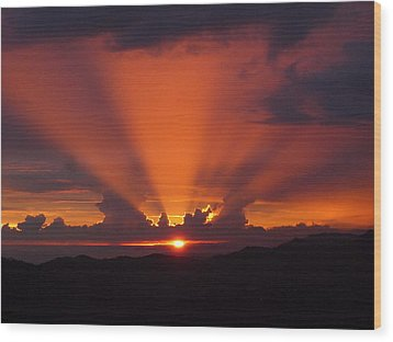 Pacific Sunset Wood Print by Gregory Young