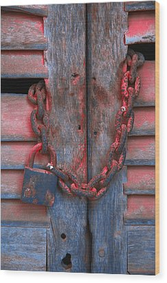 Padlock And Chain On Wooden Door Wood Print by Carson Ganci