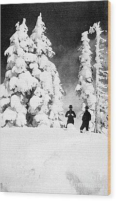 Paradise Inn, Mt. Ranier, 1917 Wood Print by Science Source