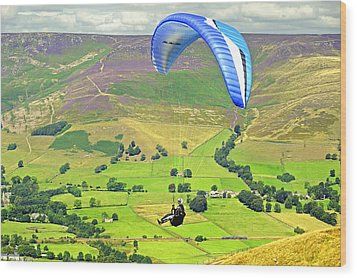 Paragliding Off Mam Tor 01 Wood Print by Rod Johnson