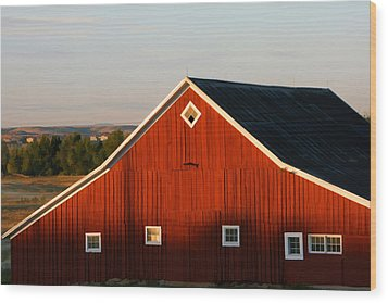 Wood Print featuring the digital art Parker Road Barn by Brian Davis
