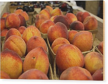 Peaches Ala Mollys Market Wood Print by Theresa Johnson