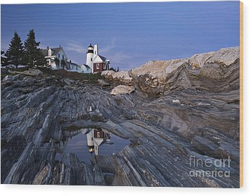 Pemaquid Point Lighthouse - D002139 Wood Print by Daniel Dempster