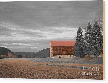 Pennsylvania Barn Wood Print by Randy Edwards