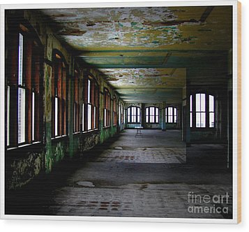 Penthouse  Wood Print by Tammy Cantrell