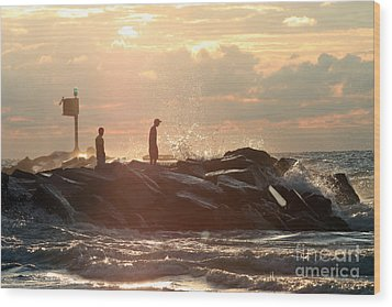 People Walking On New Buffalo Michigan Breakwater Wood Print by Christopher Purcell