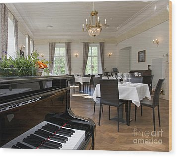 Piano In A Upscale Dining Room Wood Print by Jaak Nilson