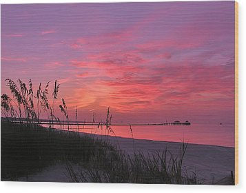 Pink And Purple Dawn Wood Print by Brian Wright