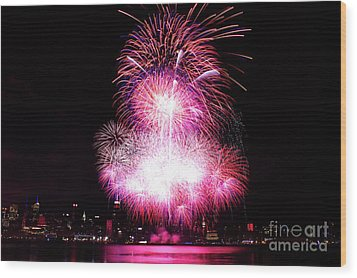Pink Fireworks At Nyc Wood Print by Archana Doddi