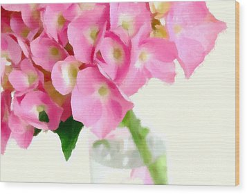 Pink Hydrangea In A Glass Vase Wood Print by Anne Kitzman
