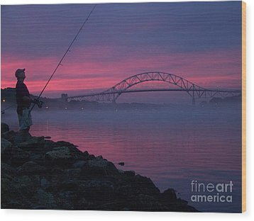 Pink Skies In The Morn Wood Print by John Doble