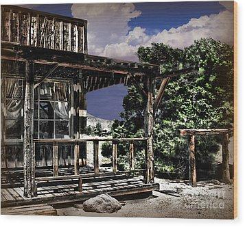 Pioneer House Wood Print by Danuta Bennett