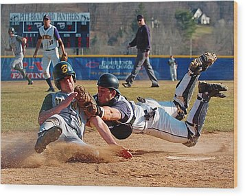 Play At The Plate Wood Print by Wade Aiken