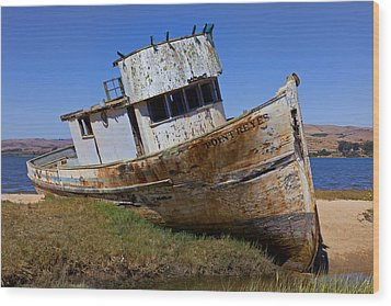 Point Reyes Beached Boat Wood Print by Garry Gay