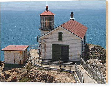 Point Reyes Lighthouse In California 7d15997 Wood Print by Wingsdomain Art and Photography