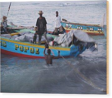 Popoz Wood Print by Makati Janlwi