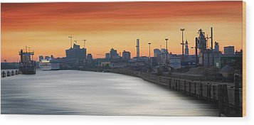 Port Of Hamburg Wood Print by Marc Huebner