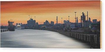 Port Of Hamburg Wood Print by Marc Huebner
