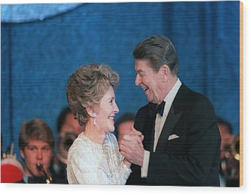 President And Mrs. Reagan Dance Wood Print by Everett