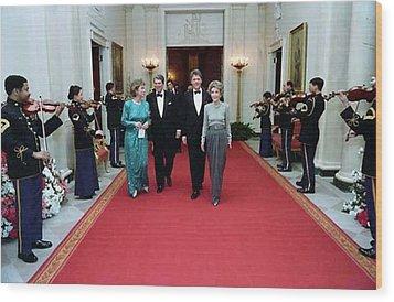 President And Nancy Reagan Walking Wood Print by Everett