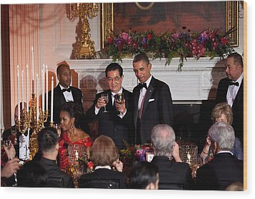 President Barack Obama And President Hu Wood Print by Everett