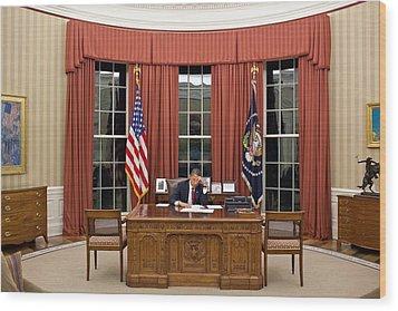 President Barack Obama Edits Wood Print by Everett