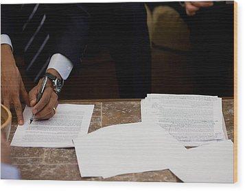 President Barack Obama Works Wood Print by Everett