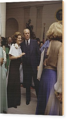 President Ford And First Lady Betty Wood Print by Everett