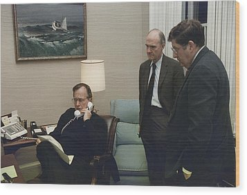 President George Bush In A Telephone Wood Print by Everett